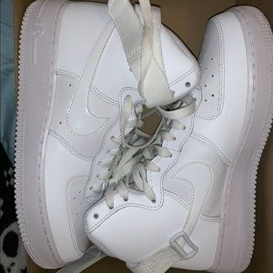 Nike air force 1s white high top
